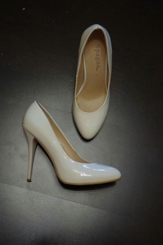 3c1cf5e9d Белые свадебные на свадьбу нарядные классические туфли лодочки1 фото ...