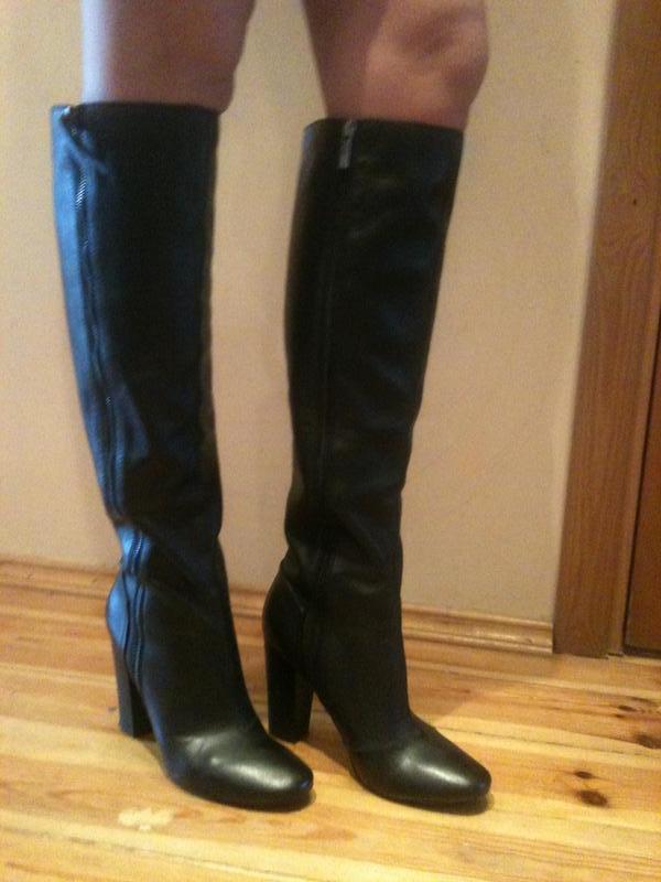 Очень качественные кожаные демисезонные сапоги устойчивый широкий каблук1  ... dd2582a562a