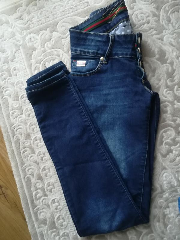 Джинси фірми гучі. італія. темно синій колір.1 ... 9bc08aa358b2e