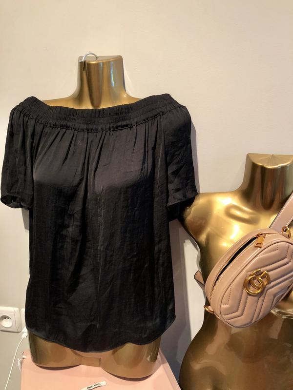 364977ace39 Шикарная атласная блузка с открытыми плечами1 фото ...
