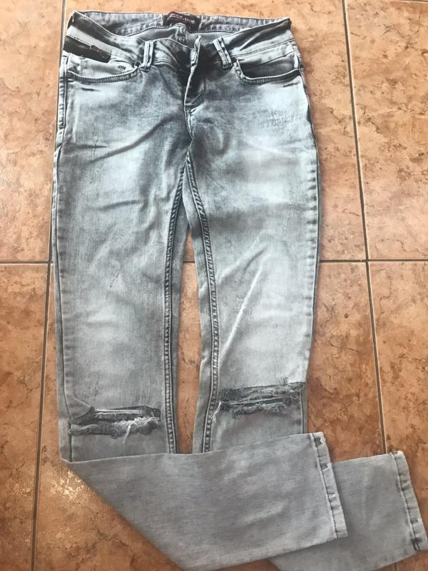 72b43dffc9f Классные джинсы узкие на коленях дырки разрезы на коленях р.с м1 фото ...