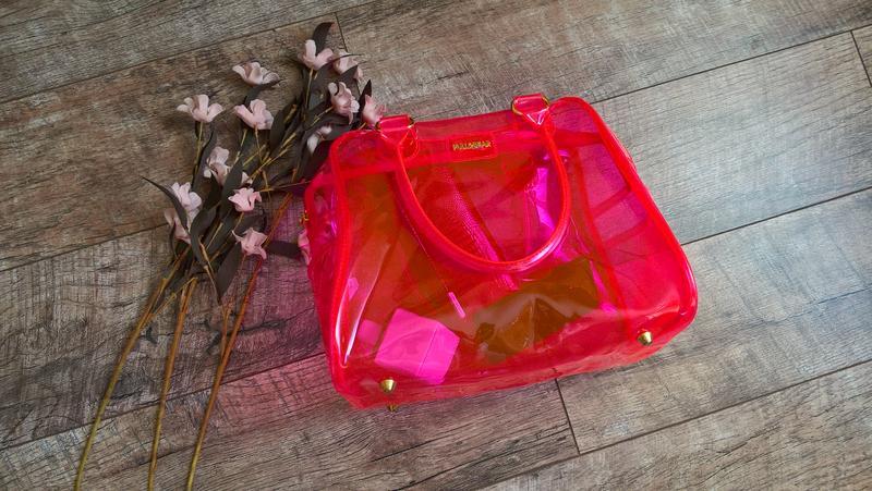 1e400c3ef7c7 Трендовая прозрачная сумка-саквояж от pull&bear/неоновая/кенди-бег1 фото ...