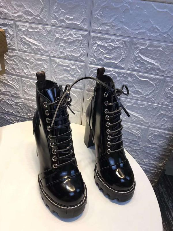 ade81b68d880 Ботинки lv Louis Vuitton, цена - 1800 грн,  16826128, купить по ...