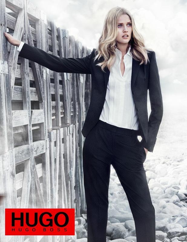 Hugo boss женский костюм красивая девушка на работу