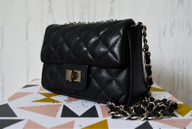 Стеганая черная кожаная сумка в стиле шанель, lavorazione artigianale  (италия)1 ... 8b9cc76027e
