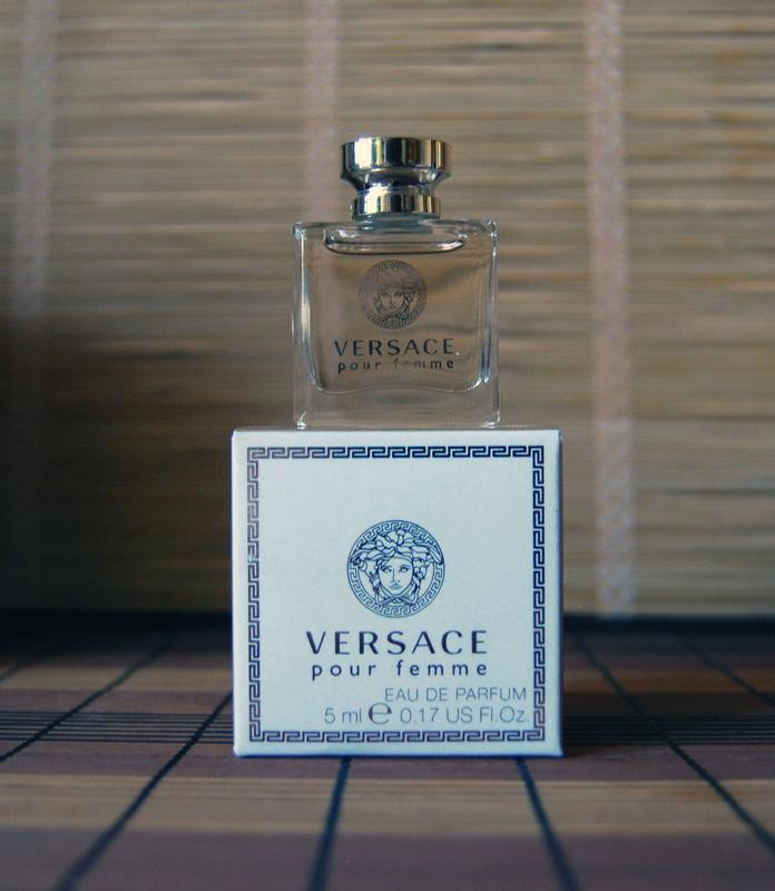 Versace pour femme 8d7f2b0e3bf5d