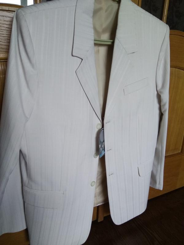 ccdaf7357fa4 Новый мужской костюм пиджак брюки на свадьбу венчание праздник светлый1 ...