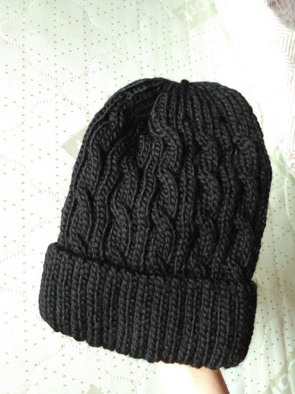 новаякрасиваястильнаятренд фирменная теплаявязаная шапка в косы