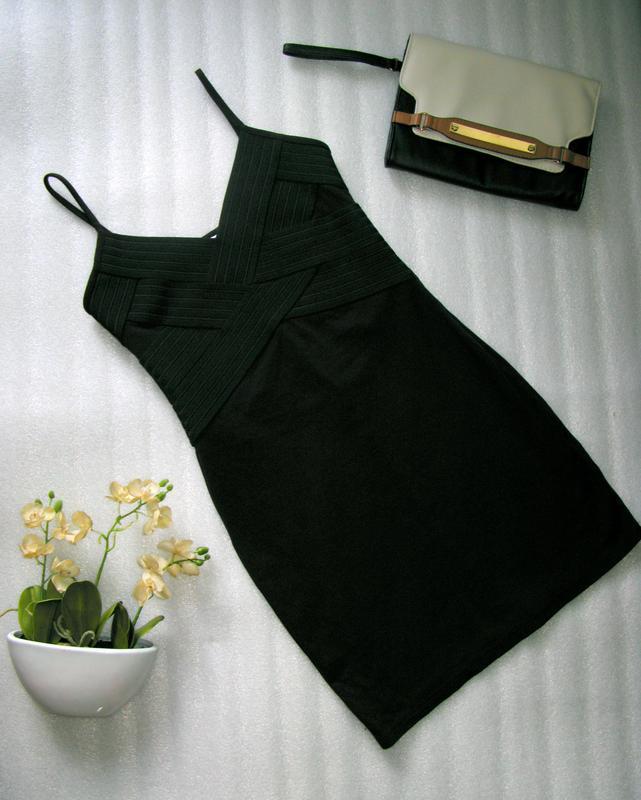 Маленькое черное платье сукня нарядное коктейльное с v-образным вырезом размер s-м Bonprix, цена - 110 грн, #17350919, купить по доступной цене   Украина - Шафа