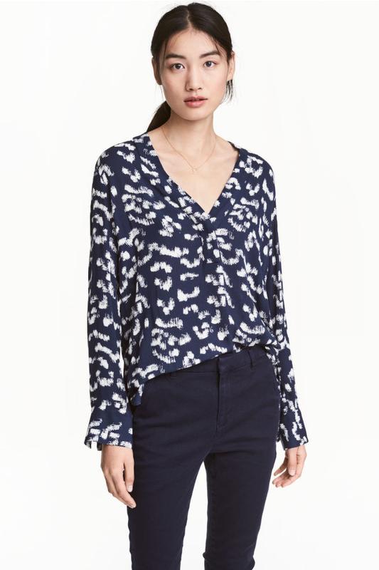 79453f3d6b6 Блузка с v-образным вырезом рубашка h m1 фото ...