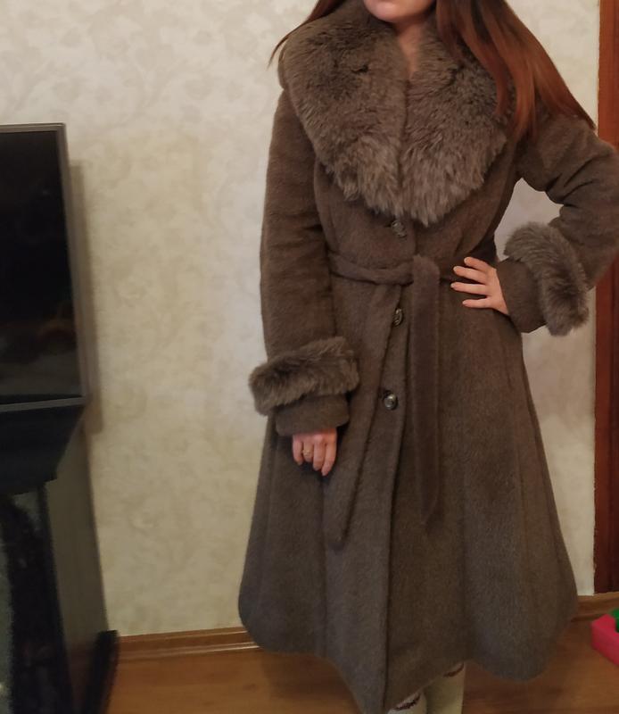3a910e4192f Стильное зимнее пальто (шуба) с меха ламы