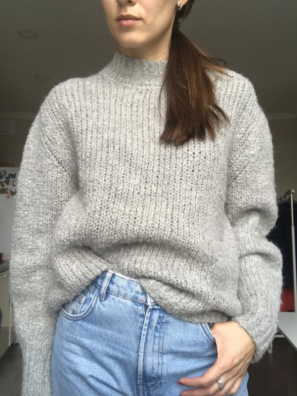c77fe4b8194 Серый шерстяной свитер mango