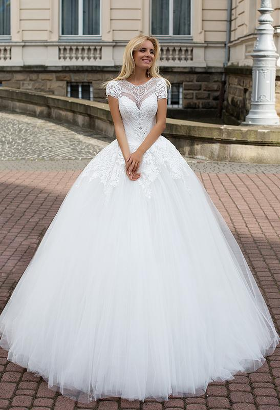 Шикарное дизайнерское свадебное платье Оксана Муха 9616cbdddb73c