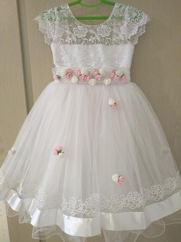 1afb70d5d5fc8a2 Нарядное, очень красивое, белоснежное платье на девочку 4-5,5 лет1 фото ...