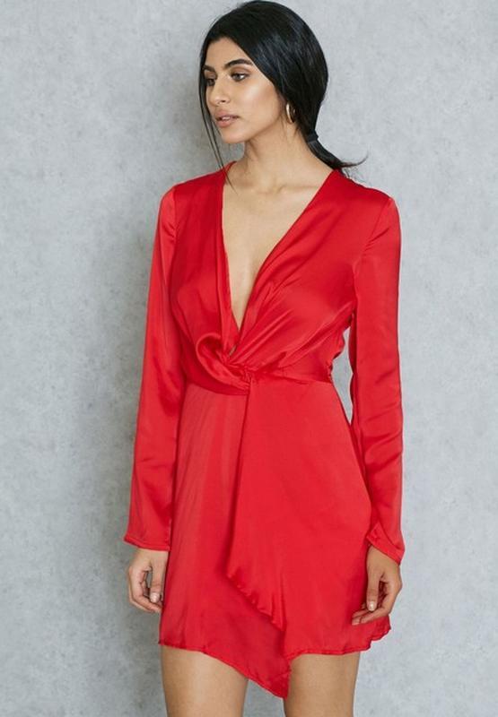 643d9f17c85 Шикарное струящее вечернее красное платье с v-образным декольте missguided1  фото ...