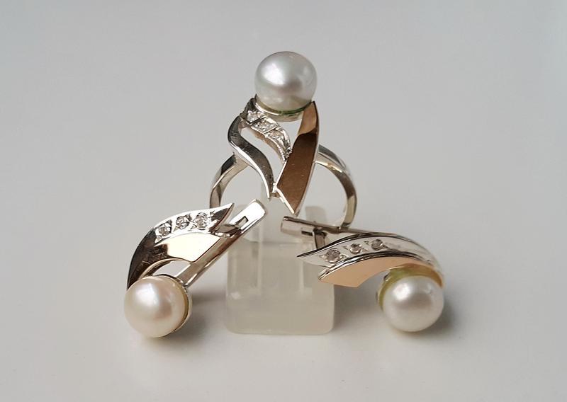 Серьги и кольцо из серебра с золотыми вставками с натуральным жемчугом и  фианитами1 ... 4fd07f6cc07
