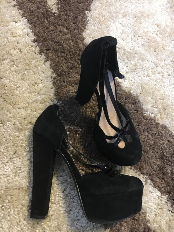 43192a4ccad0 Крутые замшевые брендовые туфли босоножки распродажа все по 50грн1 ...