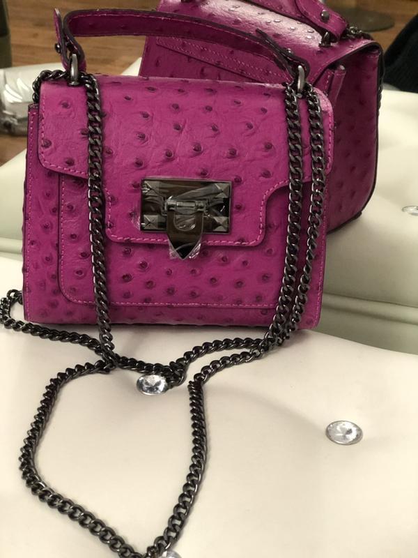 f5e44185297e Маленькая вместительная кожаная сумочка (италия) Италия, цена - 880 ...