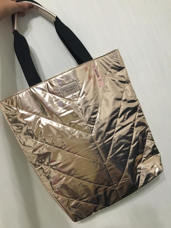 8163c10fcc17 Стильная золотая сумка victoria s secret (виктория сикрет) ...