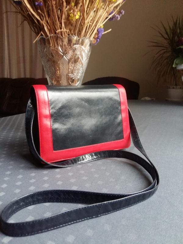 ec535786b926 Кожаная красивая темно синяя сумка с красным ободком кроссбоди1 ...