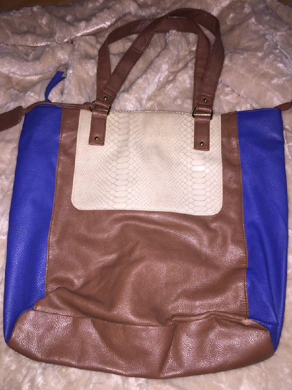 f178a59a14c6 Стильная тёмно-синяя кожаная сумка натуральная кожа Dorothy Perkins ...