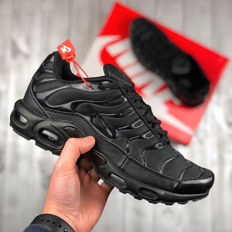 bb4fdac1fffb43 Шикарные мужские кроссовки nike air max tn plus black Nike, цена ...