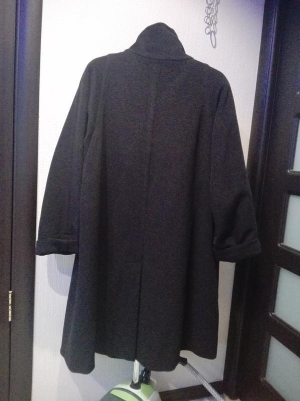b68eb56a1b8 ... Универсальное серо-черное пальто трапеция большого размера шерсть  dinomoda4 фото ...