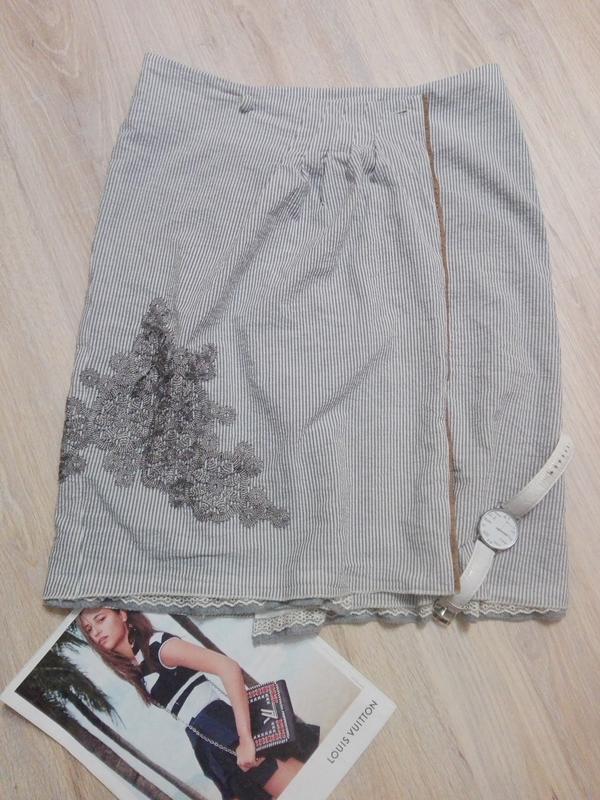 48edfa6b98b Крутая стильная спортивная юбка-карандаш на запах с модными нашивками  австрия1 ...