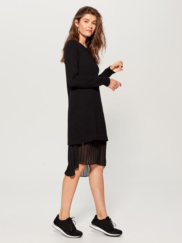 578cf1c34f0 Черное платье свитер с плиссированной вставкой   mohito1 фото ...