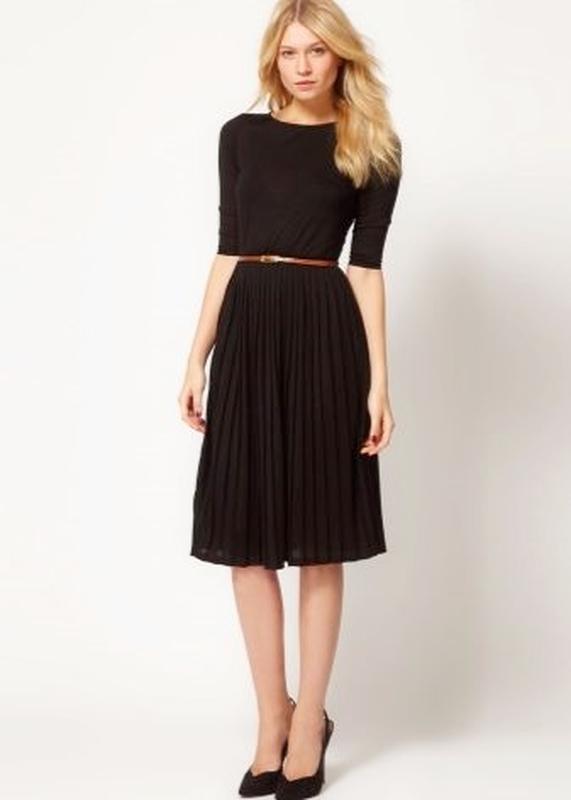 Очень крутое базовое платье с юбкой гофре d842d311e299a