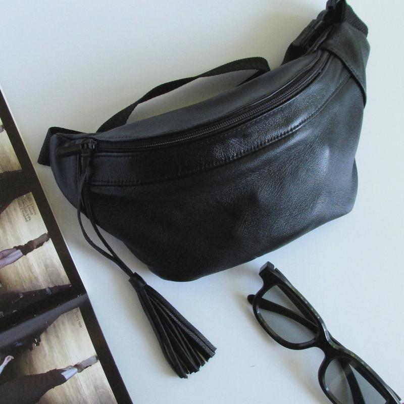 e227c551bbc0 Черная женская поясная сумка - бананка с кисточкой натуральная кожа .ручная  работа1 фото ...