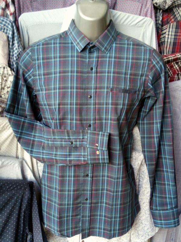 8c79a4cc4d0 Молодежная приталенная мужская рубашка на кнопках.1 ...