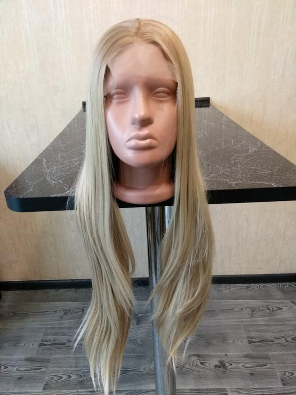 roliki-blondinka-v-setke-foto