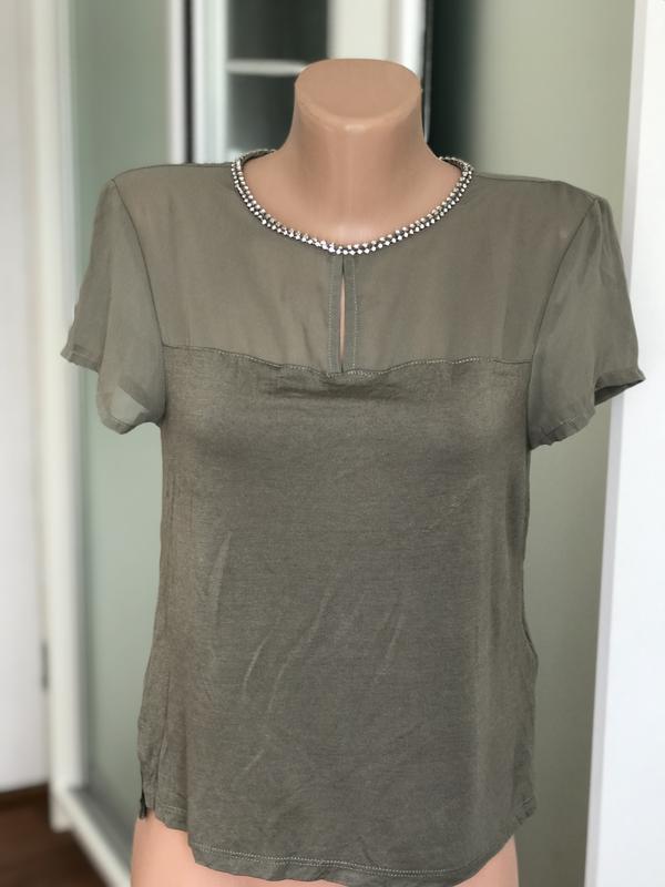 31f5c3ab342 Нарядная модная блуза блузка укорочённая с красивым воротом кофта футболка  цвета хаки1 фото ...