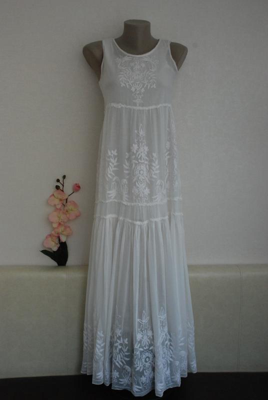 Платье zara белое с вышивкой