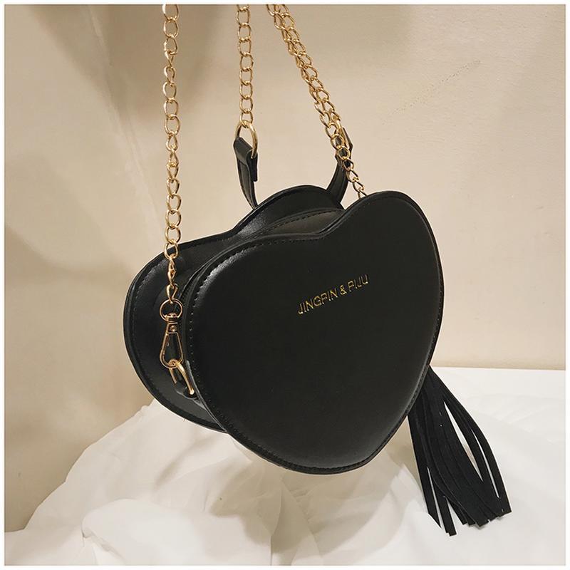de19853d5b9c Женская маленькая сумка сердце на цепочке черная, цена - 390 грн ...