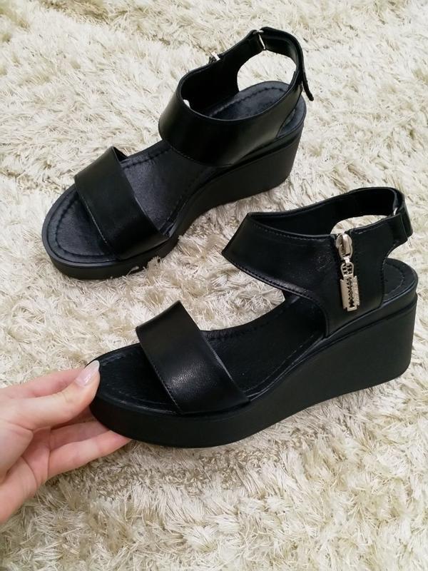411bb9d6c28c Женские черные кожаные босоножки на платформе, натуральная кожа за 560 грн.