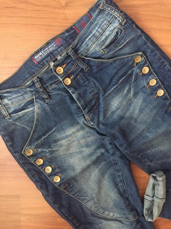 a269b5fd014 ... Стильные джинсы boyfriend фирмы revolt2 фото ...