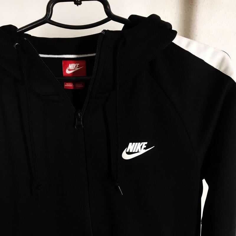 9fe4c73c7d72 Кофта (куртка , олимпийка) nike р.м оригинал новая за 900 грн.