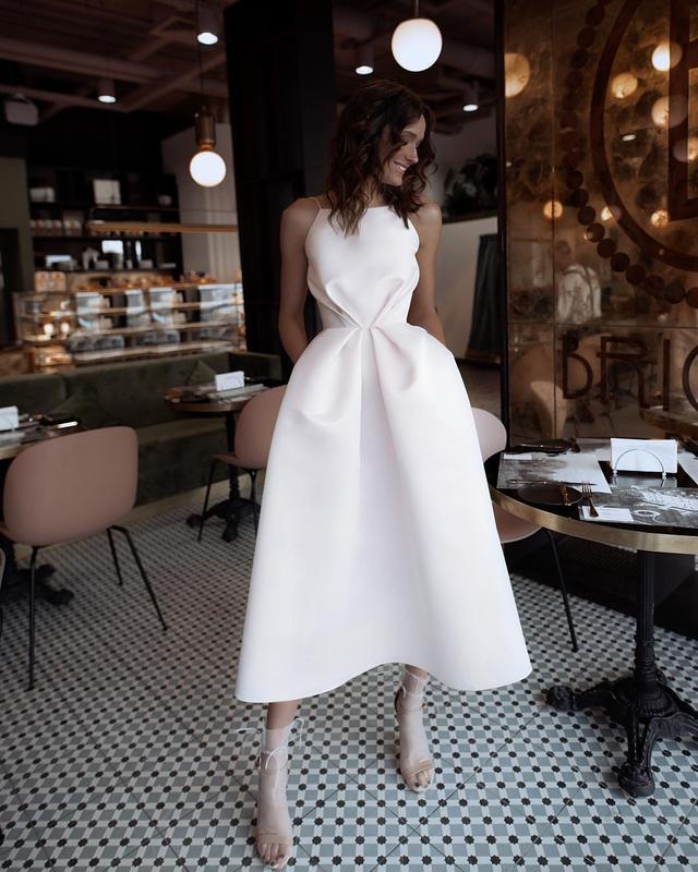 Шикарное вечернее свадебное платье миди на бретелях открытая спина белое атласное, цена - 4100 грн, #24377876, купить по доступной цене   Украина - Шафа