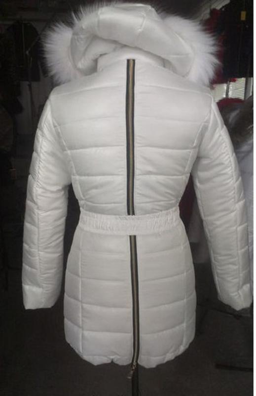 8ad3fc82360 ... Женская белая зимняя куртка с натуральным мехом песца на силиконе3 фото