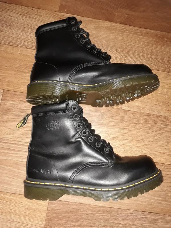 Rabatt-Verkauf das billigste auf Füßen Bilder von Кожаные ботинки dr.martens industrial royal mail!размер 43 (Dr. Martens) за  1600 грн.   Шафа